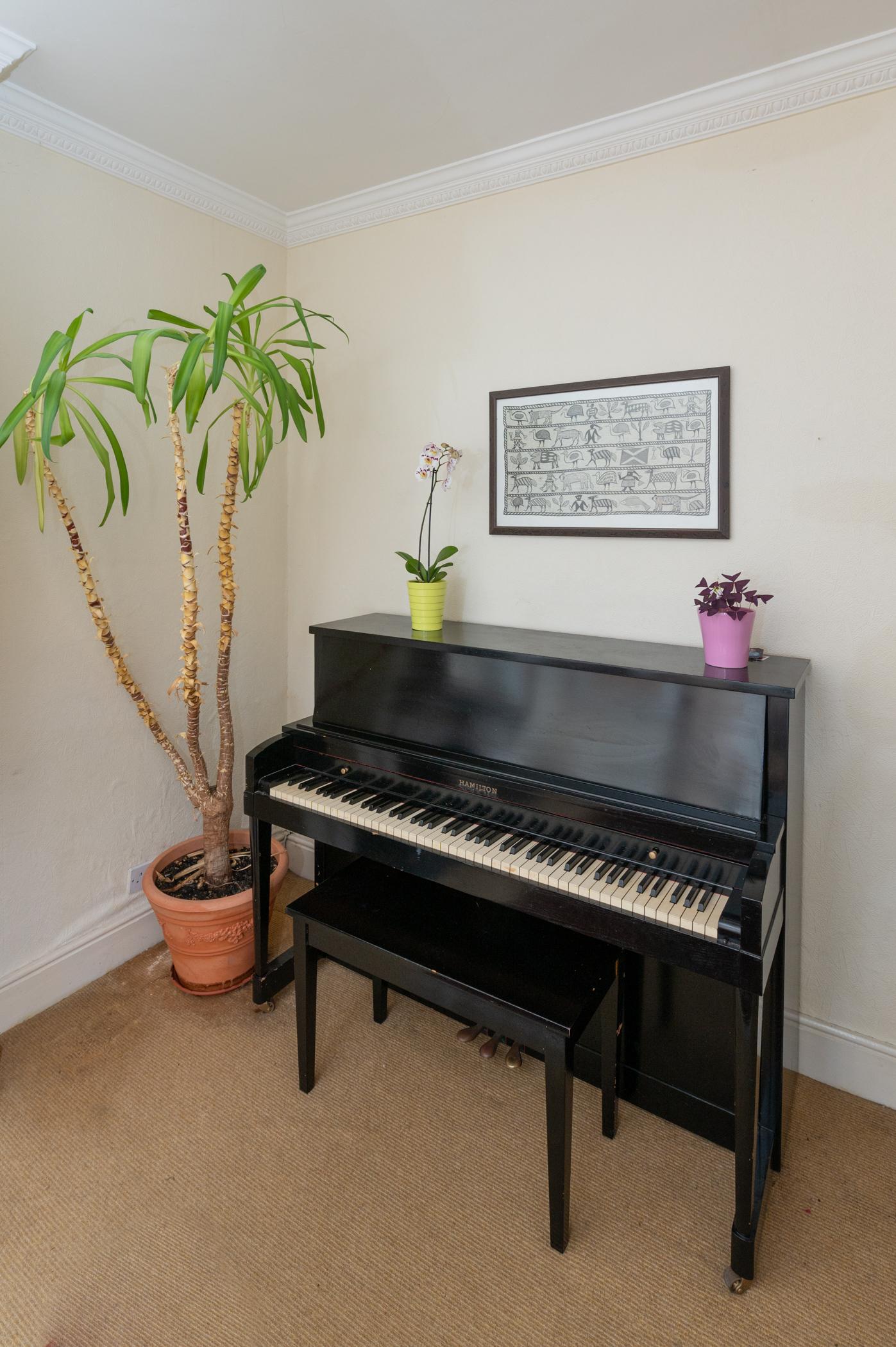 https://kms-keanemahonysmith.s3.amazonaws.com/media/111_piano.jpg